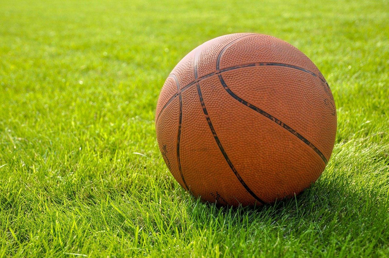 Pourquoi inclure le basket dans vos activités sportives en entreprise ?